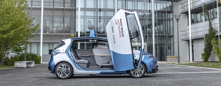 Paris-Saclay Autonomous Lab: new autonomous, electric and shared mobility services